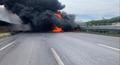 浓烟滚滚!京沈高速锦州段一油罐车和货车相撞起火